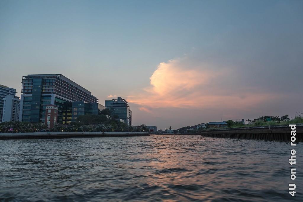 Bild Abendstimmung in Bangkok am Fluss