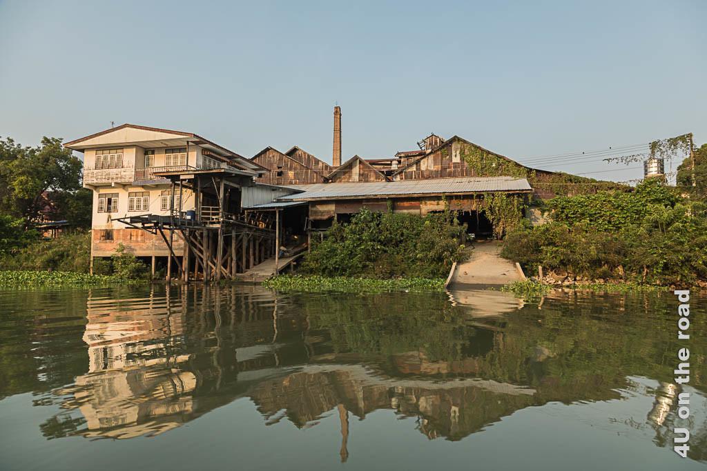Bild Fabrik am Fluss in Ayutthaya – was hier wohl produziert wird?
