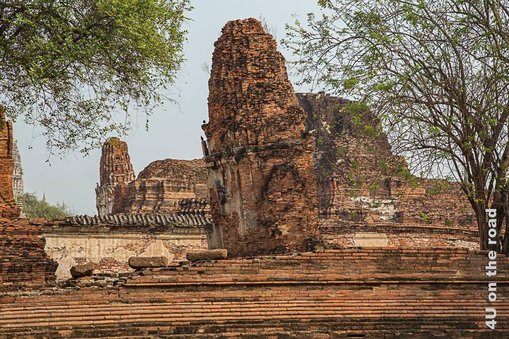 Bild 1 Schiefer Turm Wat Mahathat - Ayutthaya