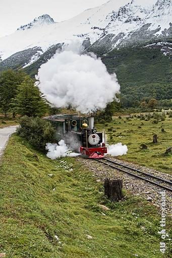 Bild El Tren del Fin del Mundo, Tierra del Fuego Nationalpark - Dampflokomotive, die ihrem Namen Ehre macht