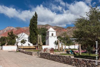 Bild Kirche Uquia mit Markt
