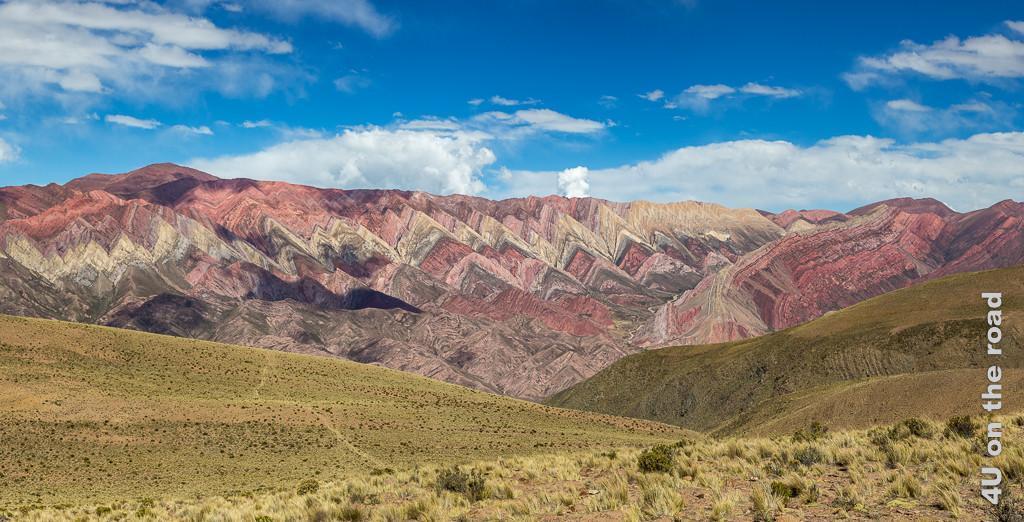Bild Serranias Del Hornocal - die 14-farbigen Felsen in Form eines Strickmusters