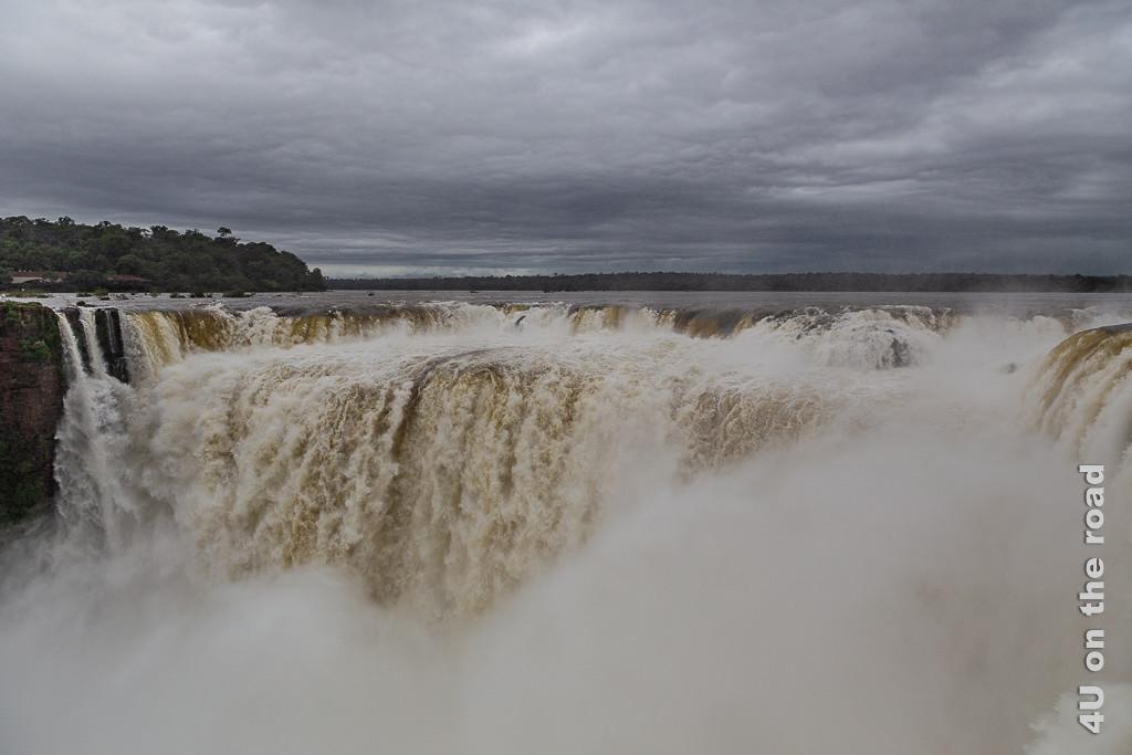 Bild Iguazu - Teufelsschlucht Impression 3; es zeigt den Einlauf in den Kessel
