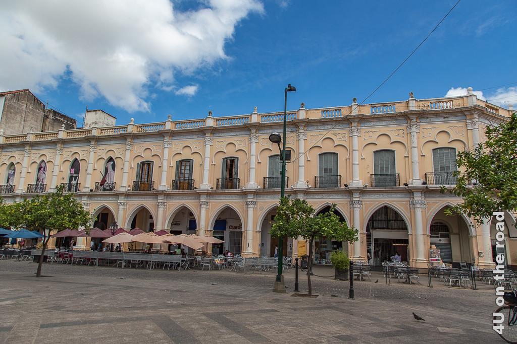 Bild Salta -Gebäude mit Arkaden und Stuckverzierung, welches das archäologischen Museum beherbergt