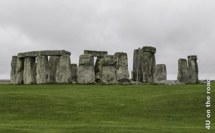 Das Bild zeigt die Steine von Stonehange.