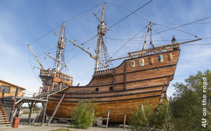 Das Bild zeigt die Replik des Magellan Schiffes.