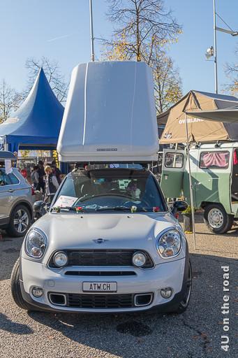 Ein Mini mit Dachzelt auf dem Suisse Caravan Salon
