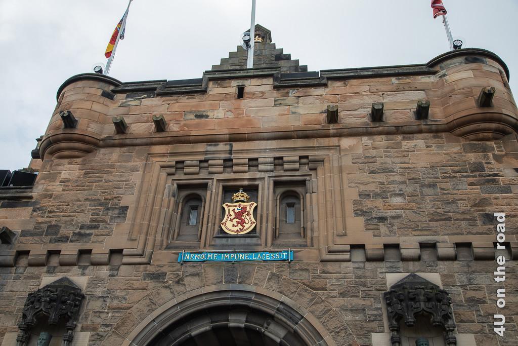 Edinburgh Castle - Eingangsspruch: Nemo me impune lacessit - Niemand greift mich ungestraft an