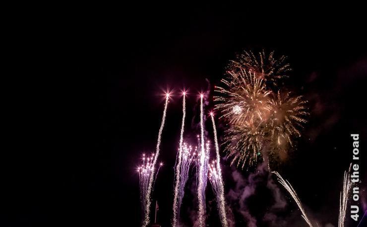 Feuerwerk zum Abschluss des Military Tattoo am Samstag Abend