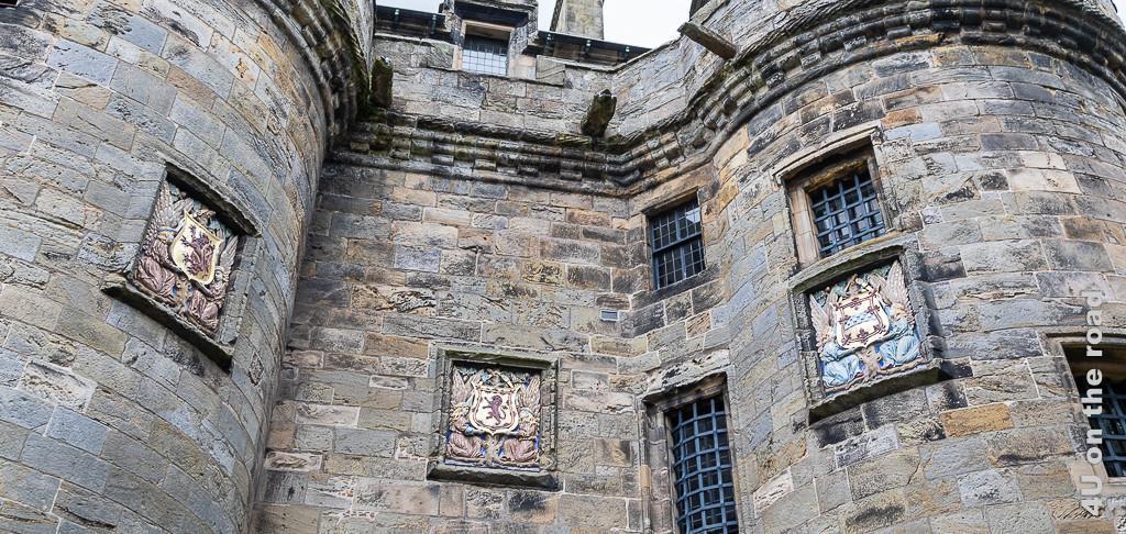 Wappen am Eingang von Falkland Palace