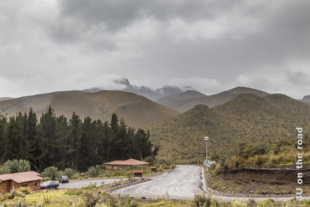 Am Visitor Center im Cotopaxi Nationalpark Blick zurück auf den Weg, den wir gekommen sind