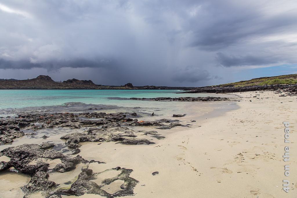 Gewitterstimmung am Chinese Hat - Reisebericht Galápagos Kreuzfahrt