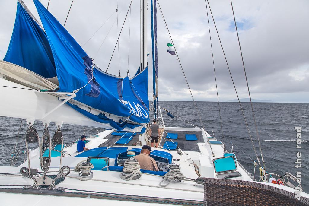 Sonnenliegeplätze auf dem Segelkatatamaran Nemo 1 - Reisebericht Galápagos Kreuzfahrt