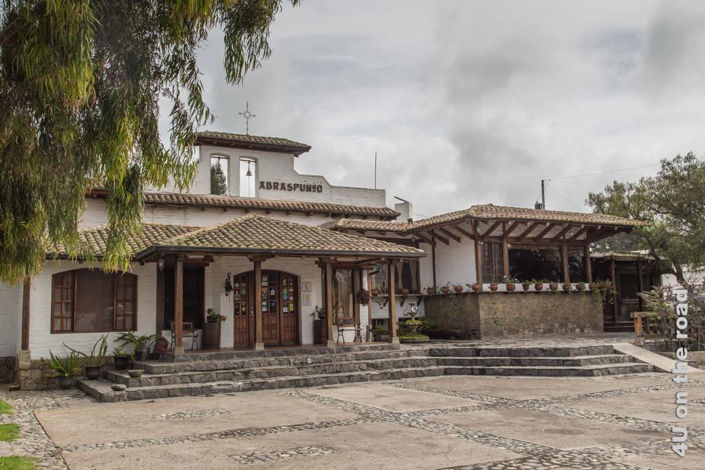 Rezeption und Restaurant des Hotels Hacienda Abraspungo in Riobamba