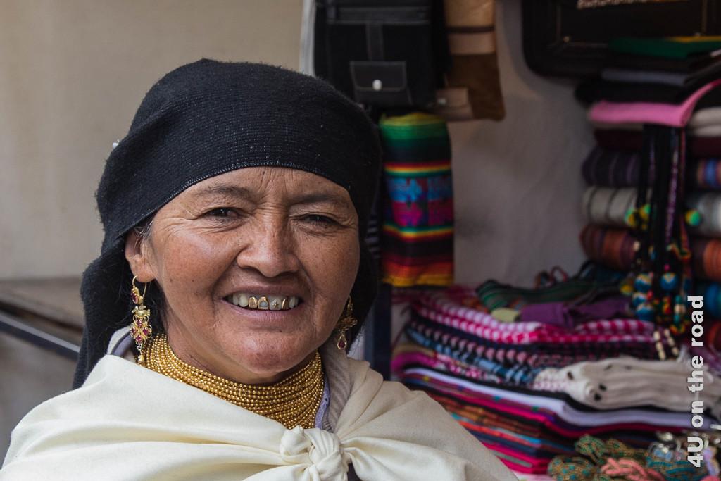 Marktverkäuferin in Cotacachi