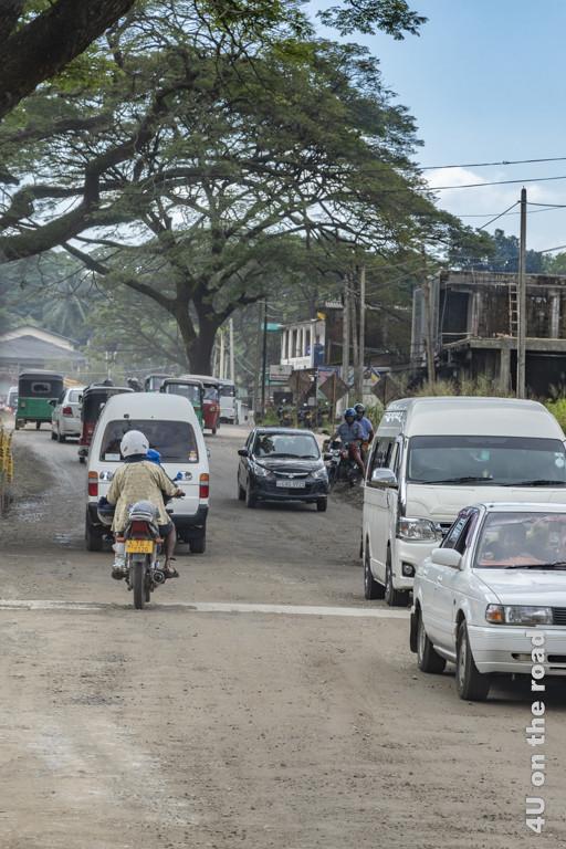 Im Bau befindliche Strasse nach Matale - Sri Lanka
