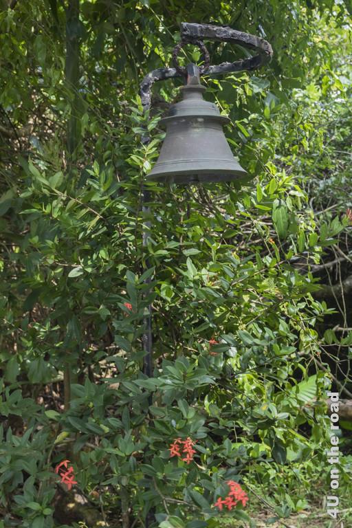 Glocke im Garten - Lunganga