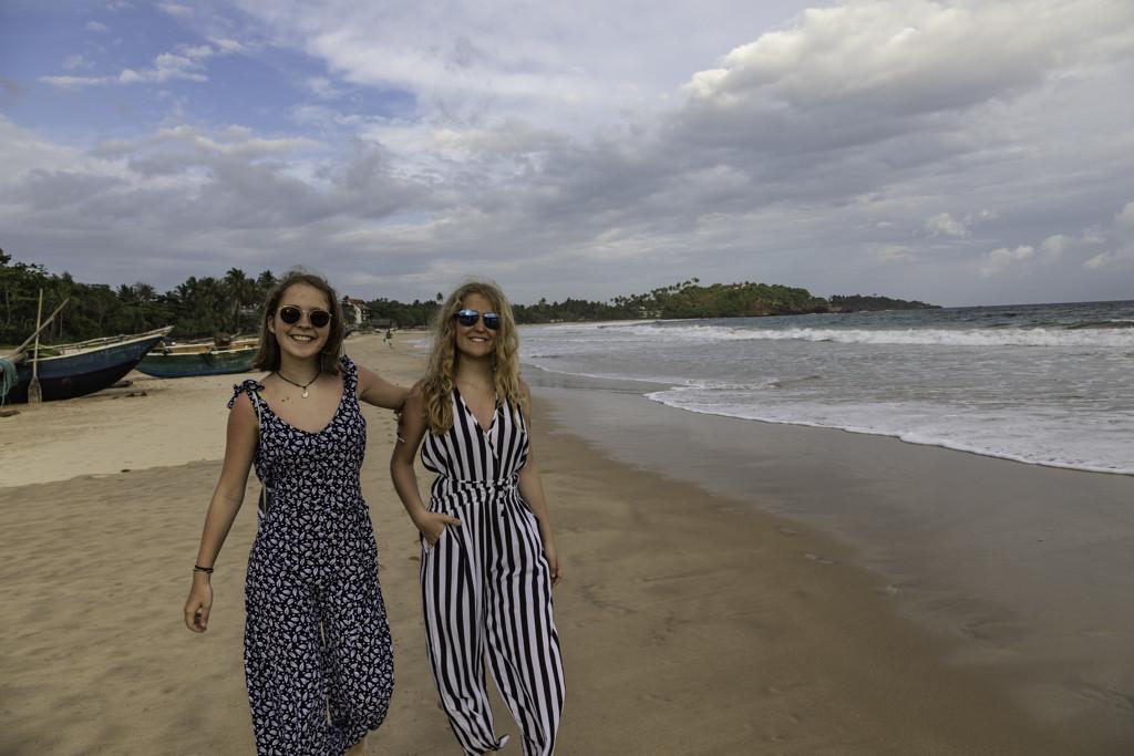 Spaziergang am Strand von Talalla