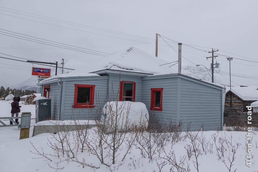 Auch die Post in Carcross ist als Miniaturhaus verewigt