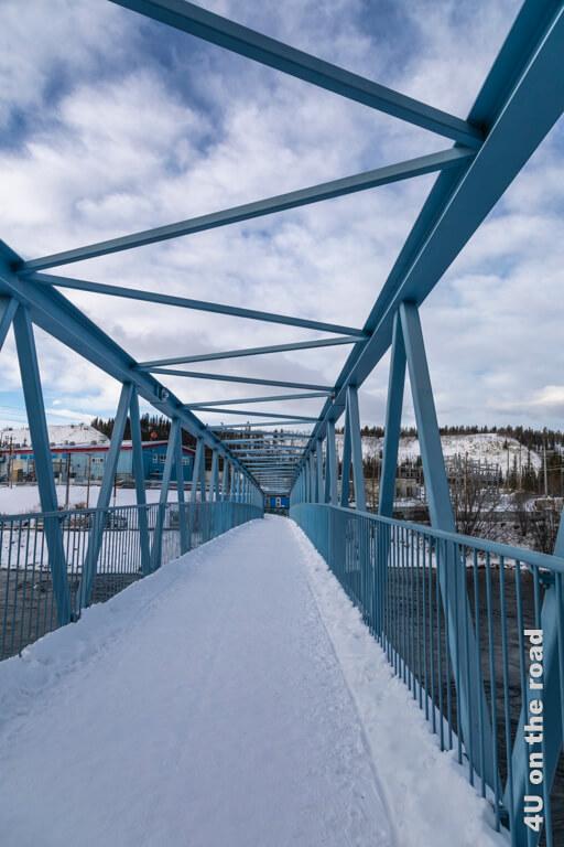 Blaue Brücke beim Wasserkraftwerk - Millennium Trail Whitehorse