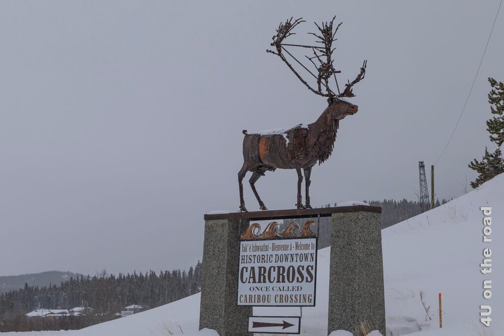 Wegweiser zum Abzweig nach Carcross