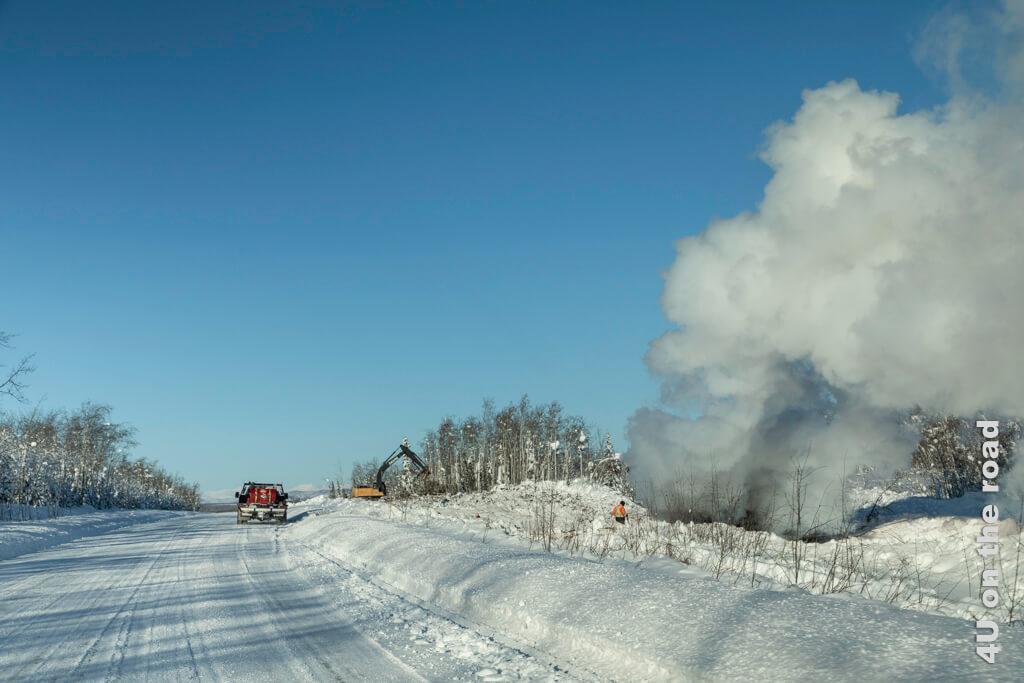 Um die Waldbrandgefahr im Sommer zu minimieren, wird der Winter genutzt, um Feuerschneisen zu schlagen.