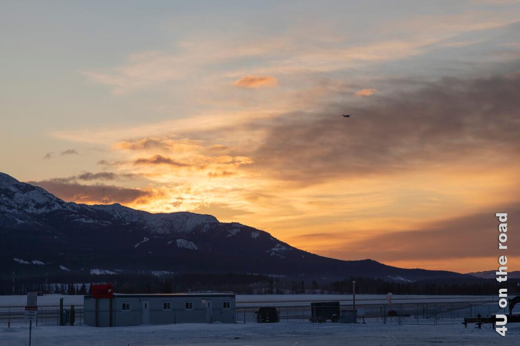 Sonnenaufgang am Flughafen Whitehorse