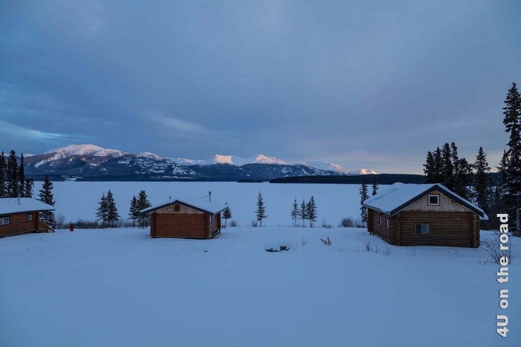 Spezielles Licht zum Sonnenuntergang am Tagish Lake