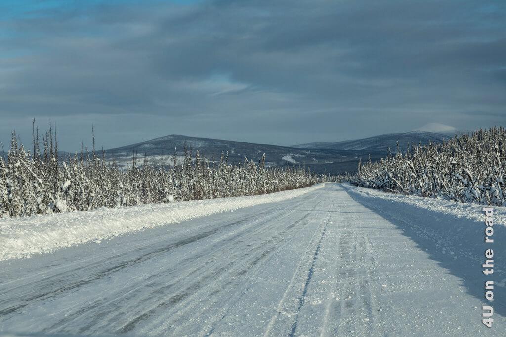 Unendliche Weiten in dünn besiedeltem Gebiet - Yukon im Winter