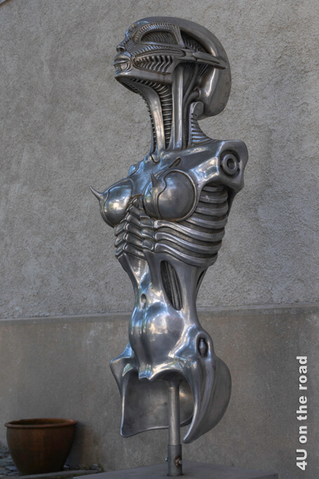 Alien Skulptur - H.R. Giger, Gruyères