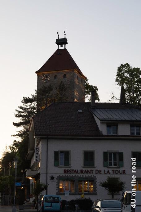 Hotel und Restaurant de la Tour im Abendlicht - Bulle