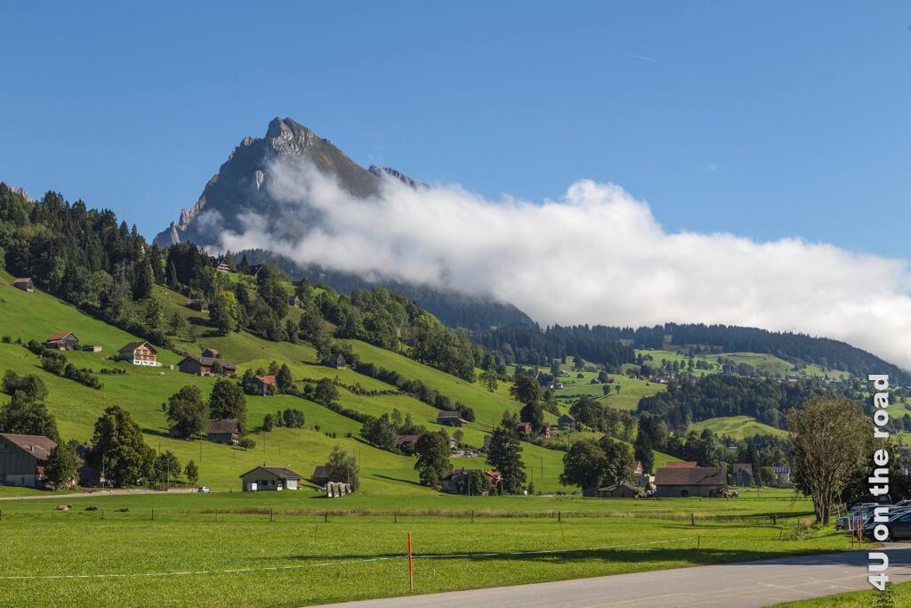 Schon der Blick vom Parkplatz der Seilbahn Alt St. Johann entschleunigt.