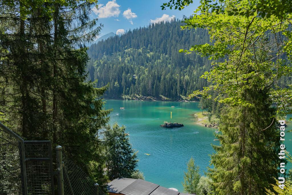 Allein die Farbe des Cauma See lockt schon zum Eintauchen. Verspricht der See doch Abkühlung an diesem heissen Sommertag.