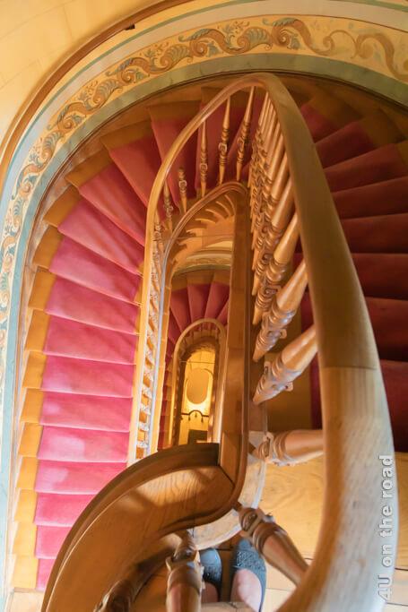 Ovales Treppenhaus der Villa Patumbah