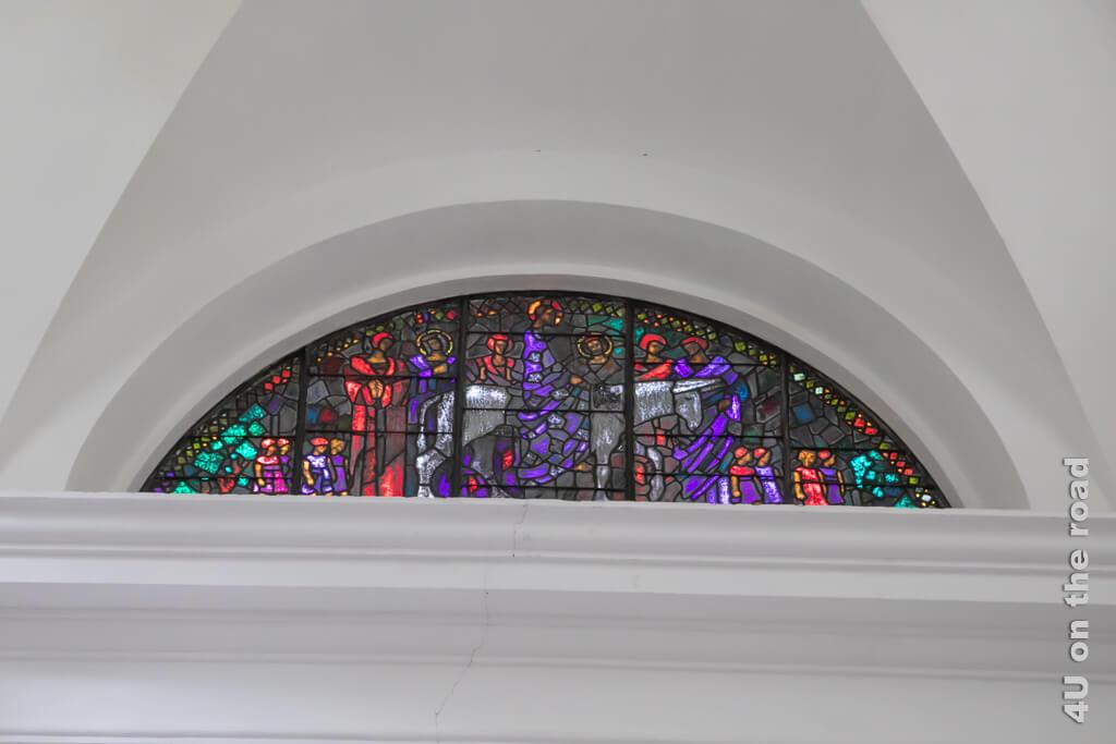 Bleiglasfenster von Augosto Giacometti in der Kirche San Giorgio, Bergell