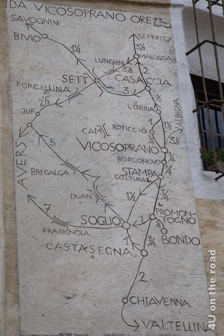 Auf die Zeitangaben auf dieser Karte können wir uns keinen Reim machen, zu Fuss erscheint es uns zu kurz - Vicosoprano Rathaus