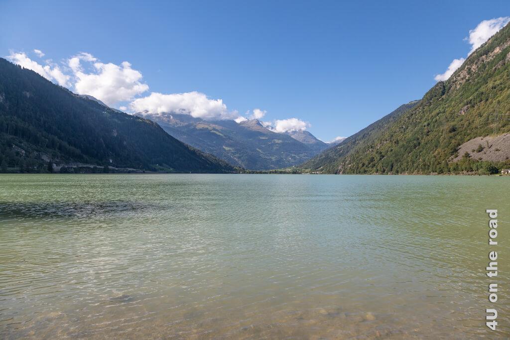 Der Lago di Poschiavo von Miralago aus gesehen.