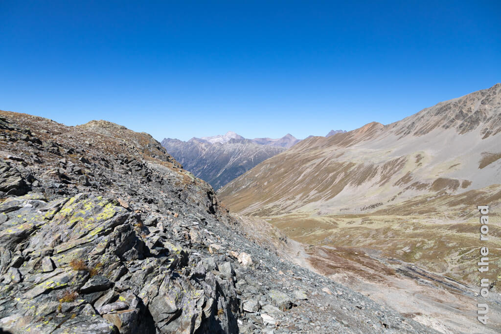 Blick auf das Val Champagna - Nach unten geht es immer, die Frage ist nur wie und wo