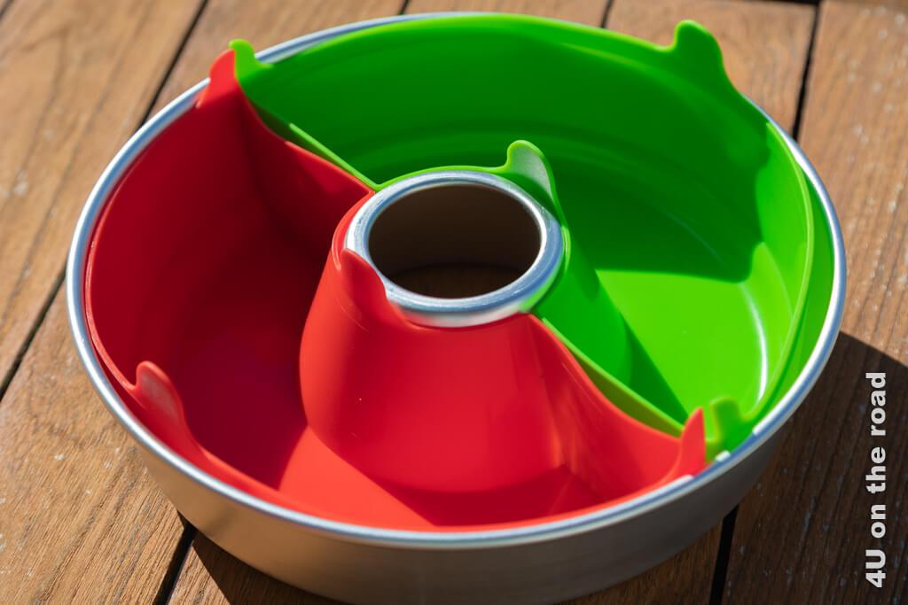 Die zwei halben Silikonschalen in den Farben rot und grün. Bin schon gespannt auf die ersten Ergebnisse. - Suisse Caravan Salon 2020
