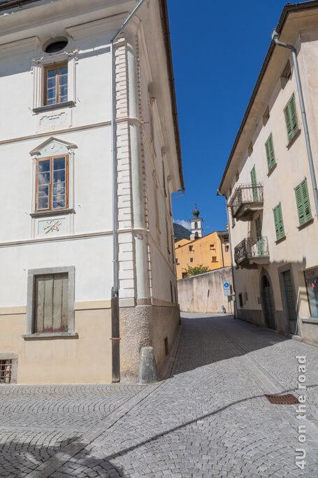 Blick zurück auf das Augustinerinnen Kloster - Poschiavo