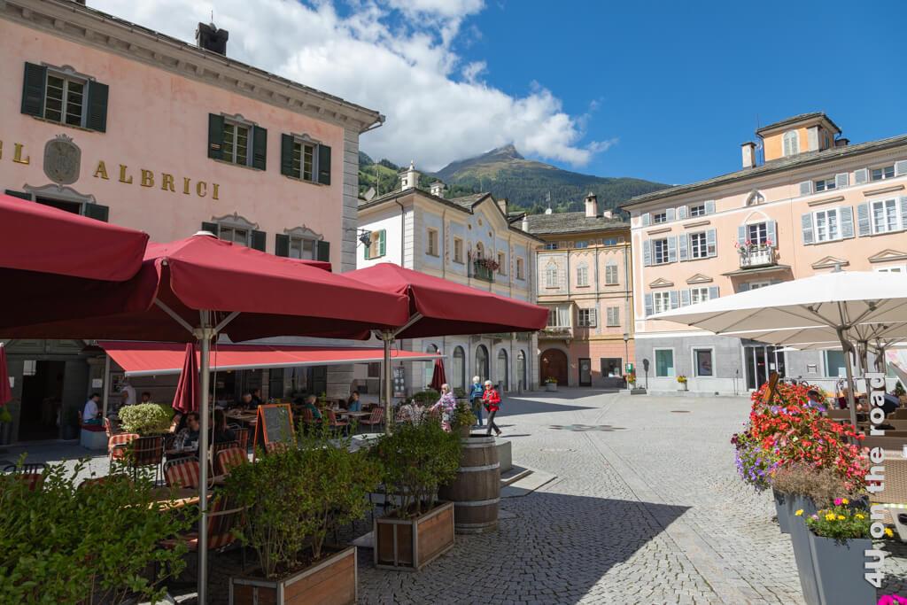 Die Piazza von Poschiavo.