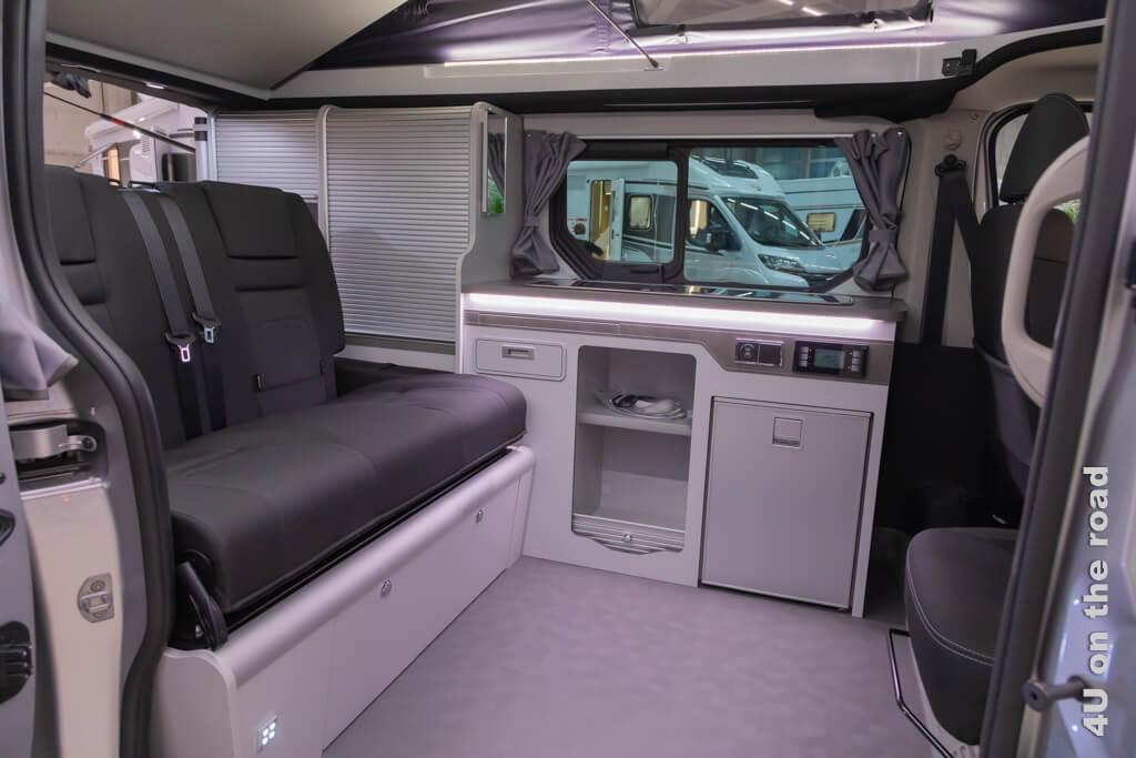Dieser VW basierte Van hat uns mit der Qualität seines Innenausbaus, der einfachen Handhabung und dem durchdachten Raumkonzept sehr beeindruckt. Suisse Caravan Salon 2020