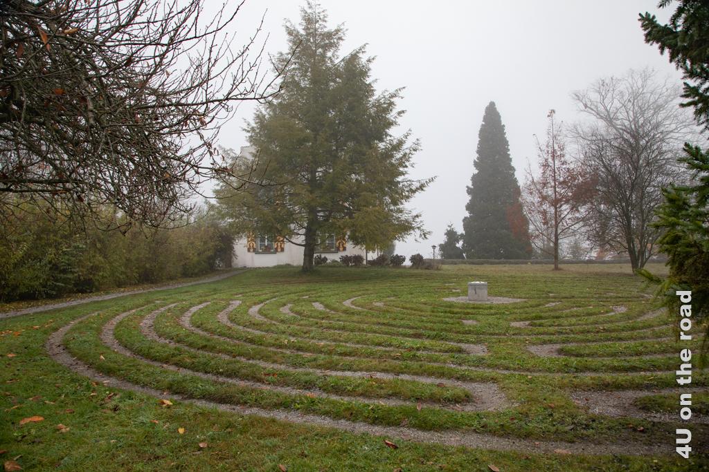 Labyrinthe als Wege zu sich selbst - Das Labyrinth auf der Werd Insel ist eine Nachbildung des Labyrinths der Kathedrale von Chartres.