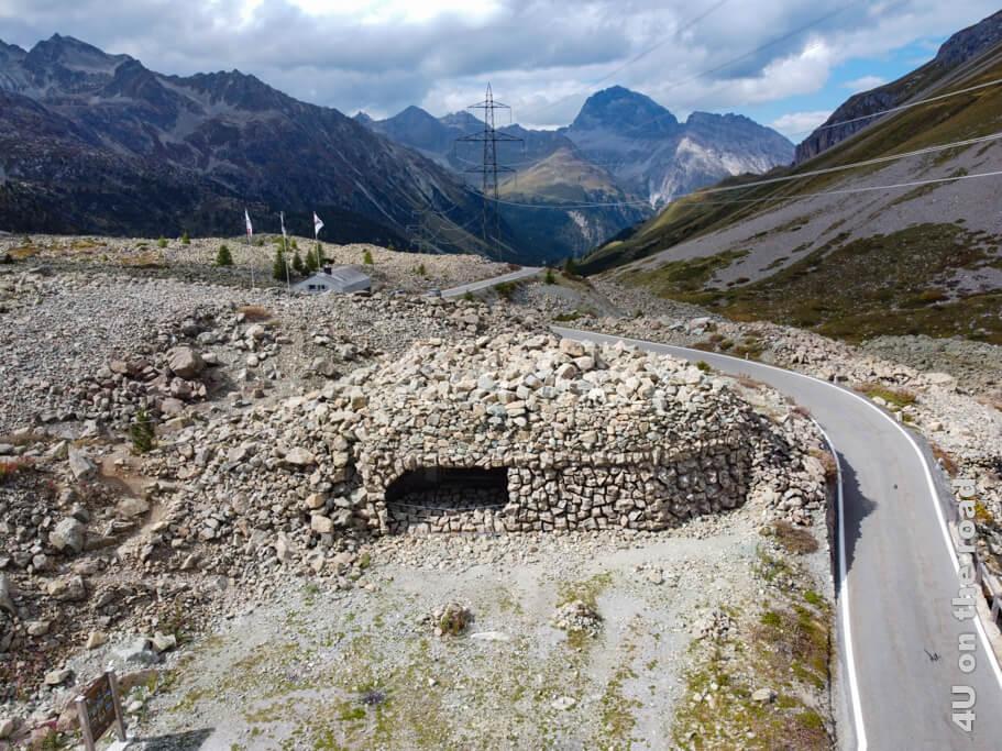 Die Festung Albula. Im höhlenähnlichen Loch befindet sich u.a. die Panzerabwehrkanone.