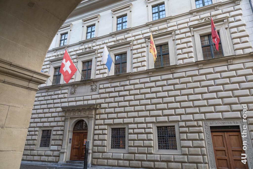 Leider bekomme ich den Ritterschen Palast nicht komplett aufs Bild - Sehenswürdigkeit von Luzern