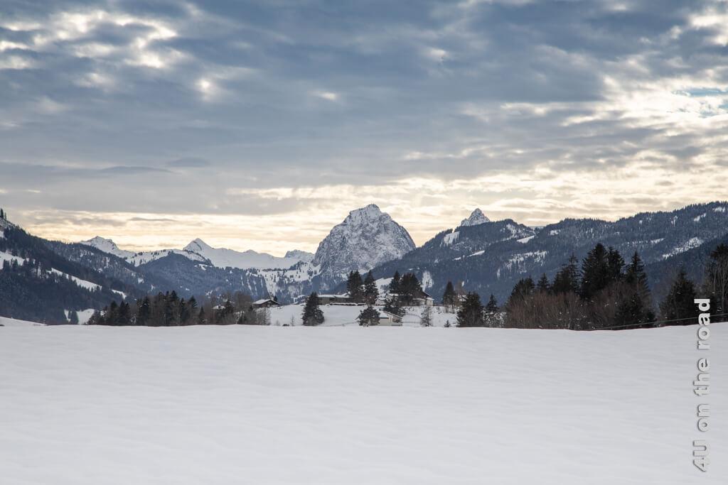 Blick auf den grossen Mythen - Winterwanderung von Biberbrugg nach Einsiedeln