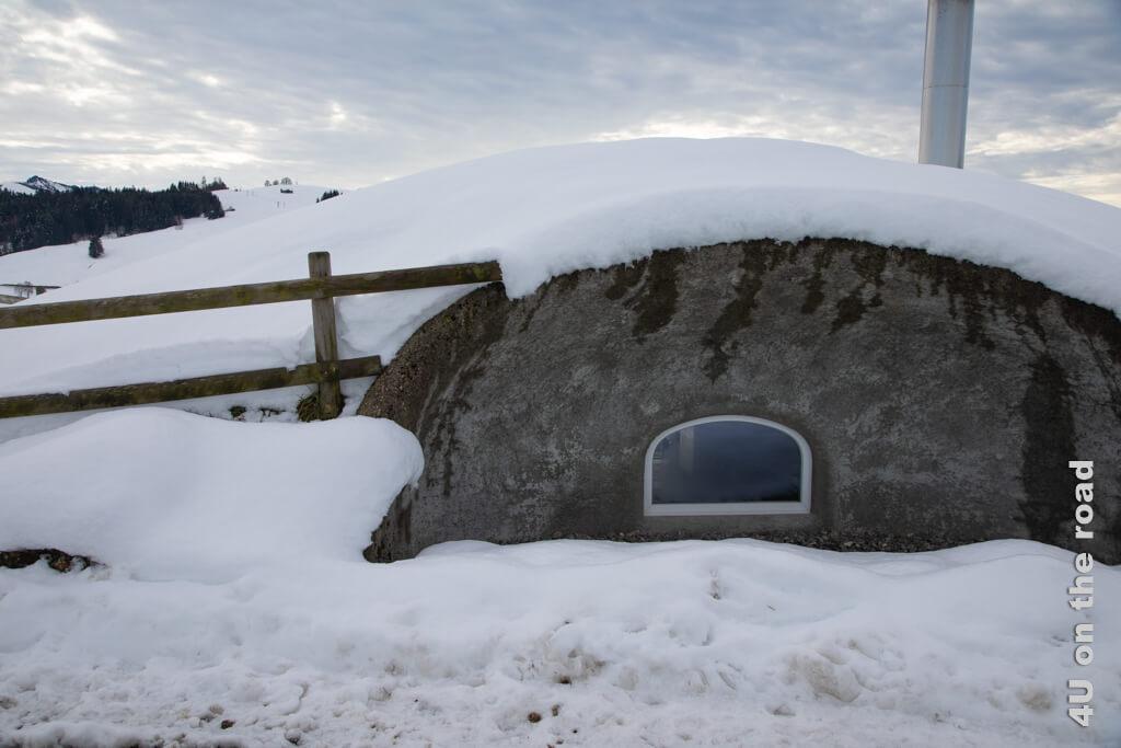 Feuerstelle und Schutzhütte auf dem Altberg - Winterwanderung von Biberbrugg nach Einsiedeln