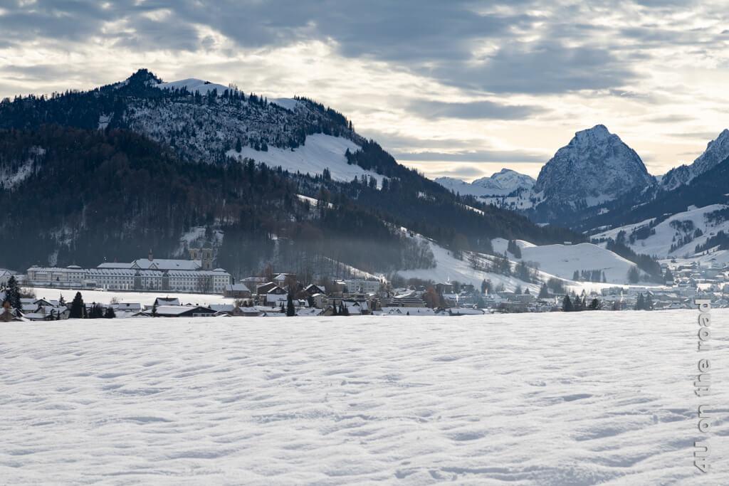 Kloster Einsiedeln und der grosse Mythen - Winterwanderung von Biberbrugg nach Einsiedeln
