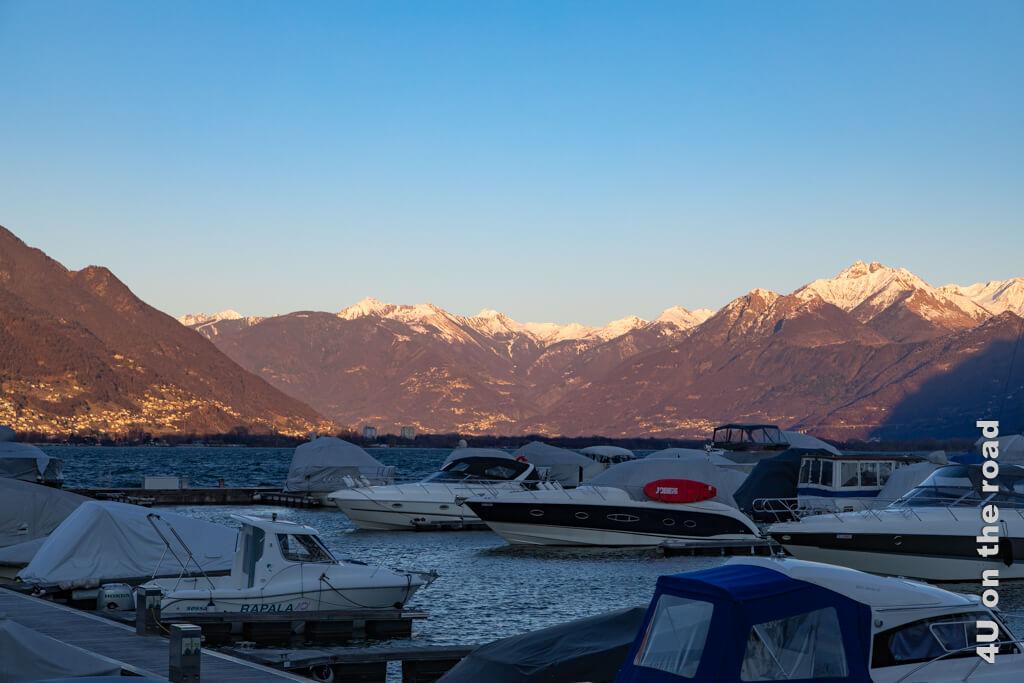 Abendstimmung am Hafen von Locarno