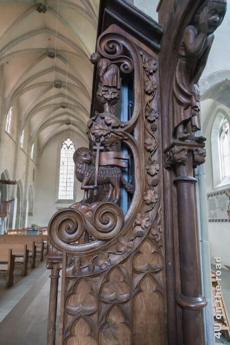 Die grosse Figur im Durchgang des Chorgestühls wird als sinnender Joseph gedeutet - Klosterkirche Kloster Kappel